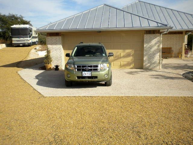 permeable gravel driveway, plastic grid driveway, permeable plastiv pavement, rv on a permeable driveway, rv on a pervious pavement, rv on truegrid permeable pavement, rv on truegrid permeable driveway,
